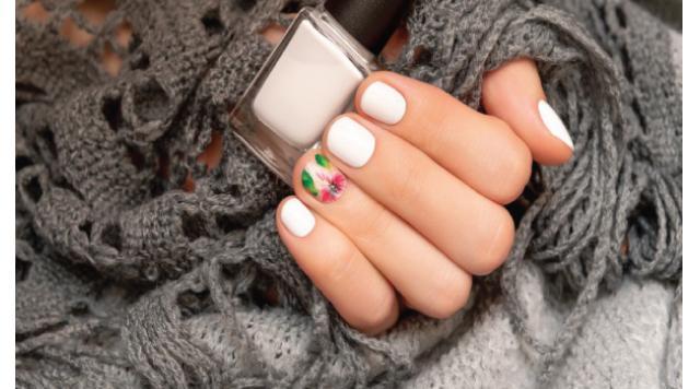10 White Nail Designs That Are More Fun
